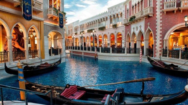 Turiștii care ajung în Veneţia pentru o excursie de o zi ar putea fi obligați să achite o taxă de intrare