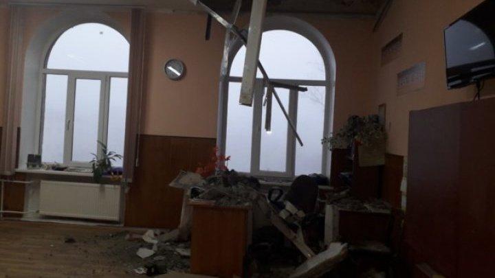 Ce se va întâmpla cu liceul din Bălţi unde s-a prăbuşit tavanul. Cei vinovaţi vor fi sancţionaţi