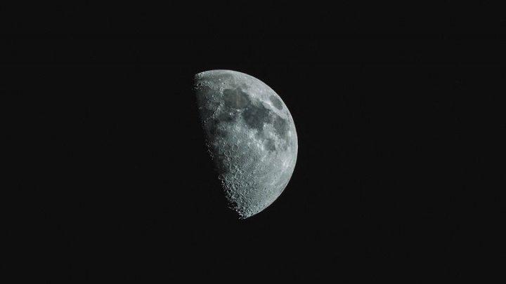 Temperatura surprinzătoare înregistrată de o sondă chineză pe partea întunecată a Lunii