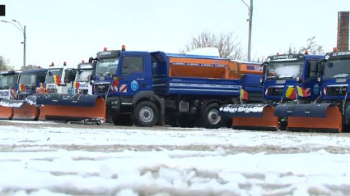 În Bucureşti firmele de deszăpezire sunt plătite cu milioane de euro chiar dacă afară nu ninge şi este cald