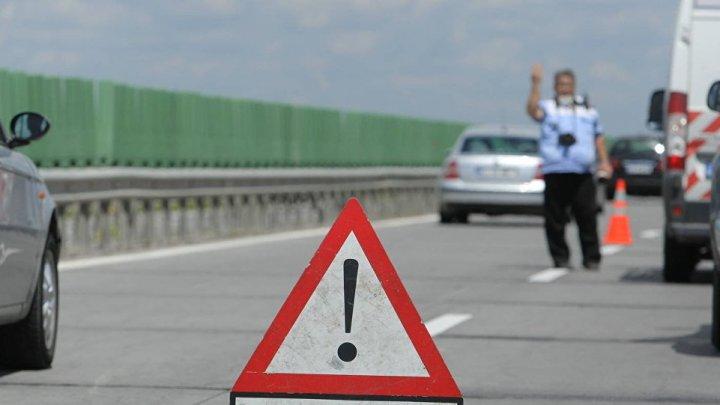 ACCIDENT TRAGIC pe o şosea din România. ŞAPTE maşini au fost implicate,iar patru persoane au fost rănite