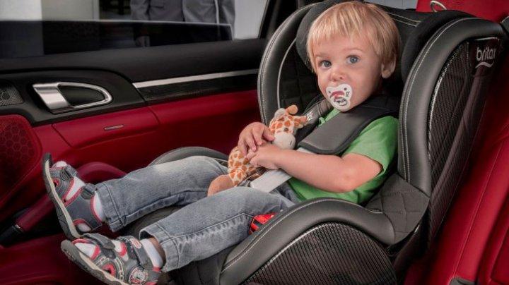 Bine de știut! Greşeala pe care o fac toţi părinţii când aleg scaunul auto pentru copil