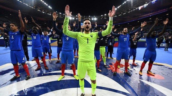 Bună dispoziţie în cantonamentul echipei naţionale de fotbal a Franţei. Paul Pogba se ține numai de glume