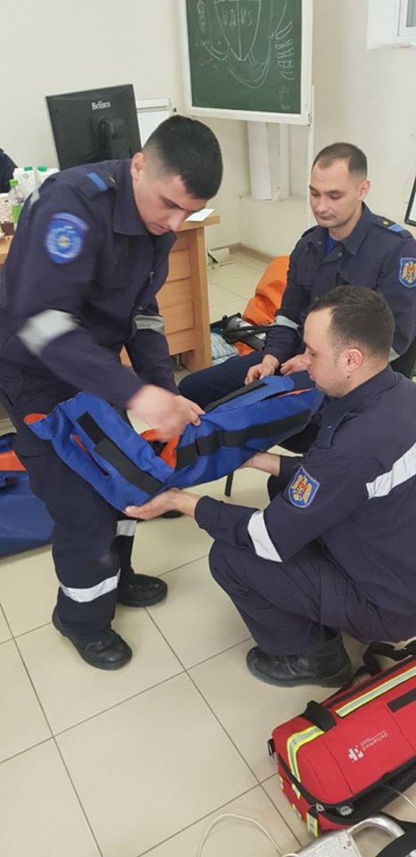 Au învățat cum să salveze vieți! Treisprezece salvatori au devenit paramedici