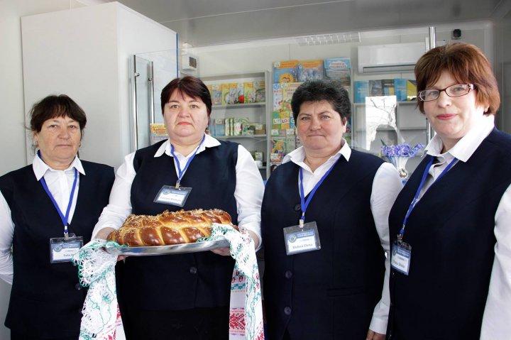 VESTE BUNĂ! În satul Codreanca, raionul Străşeni, a fost deschis un oficiu poştal nou (FOTO)