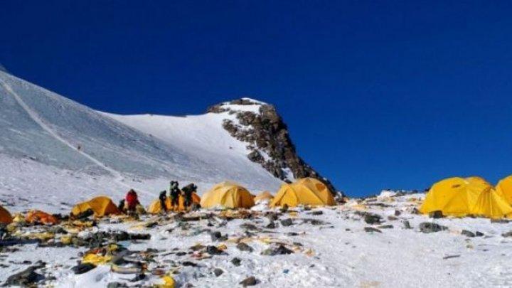 Încălzirea globală: Sute de cadavre au ieşit la iveală, pe Everest, în urma topirii gheţarilor