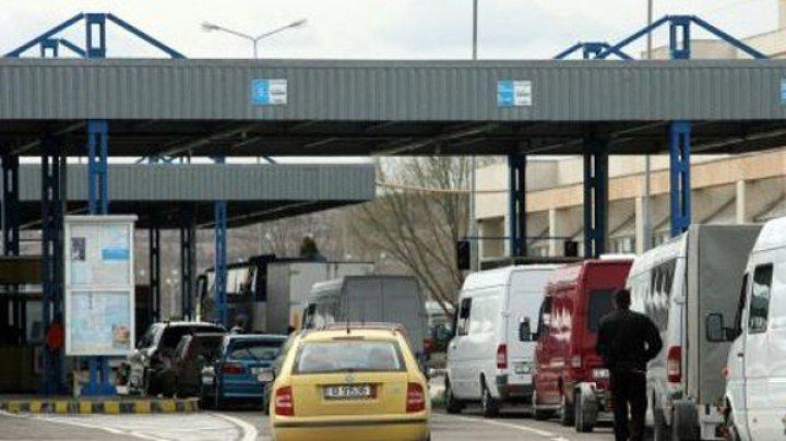 GHINION pentru doi moldoveni care s-au pornit la muncă în Germania. Ce s-a întâmplat când au ajuns la frontiera dintre Moldova şi România