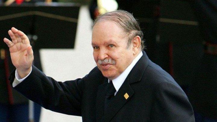 Preşedintele Algeriei renunţă la candidatura pentru un nou mandat