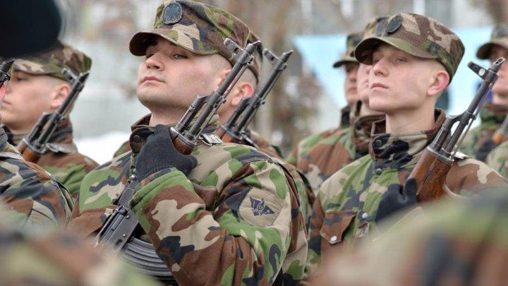 GATA să-şi apere ţara! 60 de soldaţi din Batalionul de Gardă au depus jurământul de credinţă
