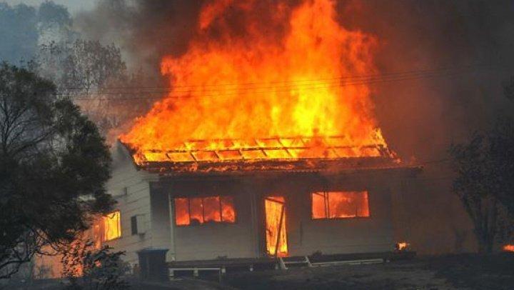 Moarte în chinuri groaznice pentru o femeie din Ungheni! A ars de vie în propria casă