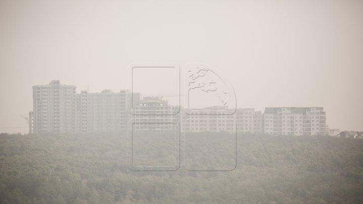 COD GALBEN de poluare a aerului la Chişinău şi Bălţi. Vântul răspândeşte cantităţi mari de praf în atmosferă