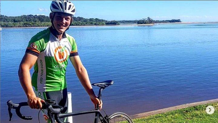 Cine este cea mai tânără persoană care a făcut înconjurul lumii pe bicicletă (FOTO)
