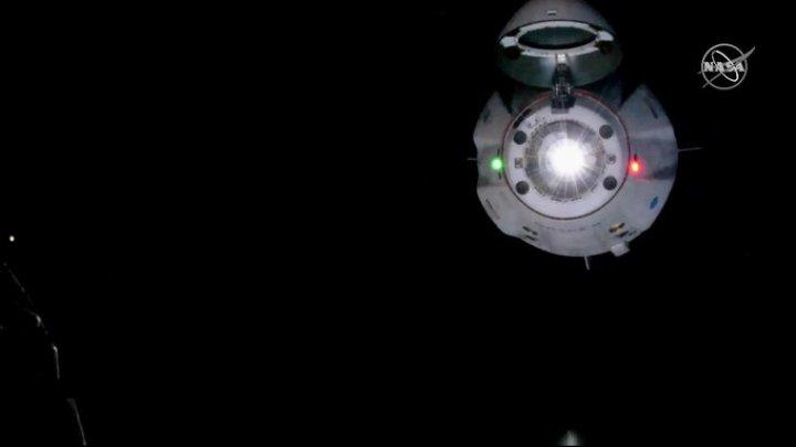 Momentul în care capsula Crew Dragon a SpaceX s-a conectat la Stația Spațială Internațională (VIDEO)
