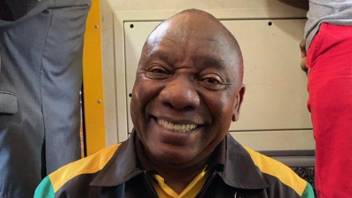 UN PREŞEDINTE ÎN RÂND CU LUMEA. Liderul Africii de Sud a fost blocat 4 ore într-un tren