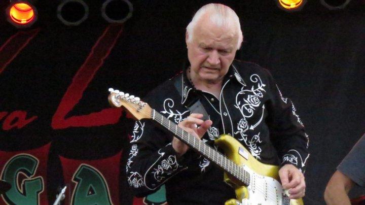 Doliu în lumea muzicii rock. Legendarul chitarist Dick Dale a încetat din viaţă