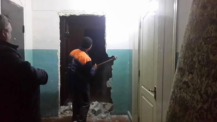 Ce a păţit un bărbat din Capitală care și-a construit ilegal un coridor în blocul în care locuiește (FOTO)