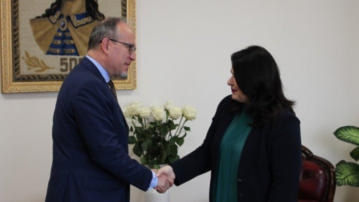Cristina Lesnic s-a întâlnit cu ambasadorul României în Moldova, Daniel Ioniţă la Chişinău. Ce au discutat oficialii