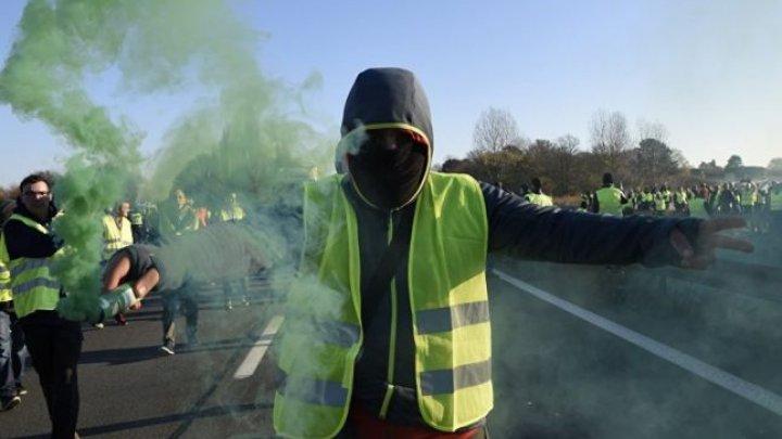 Franța va scoate armata pe străzi pentru menținerea ordinii la protestele vestelor galbene