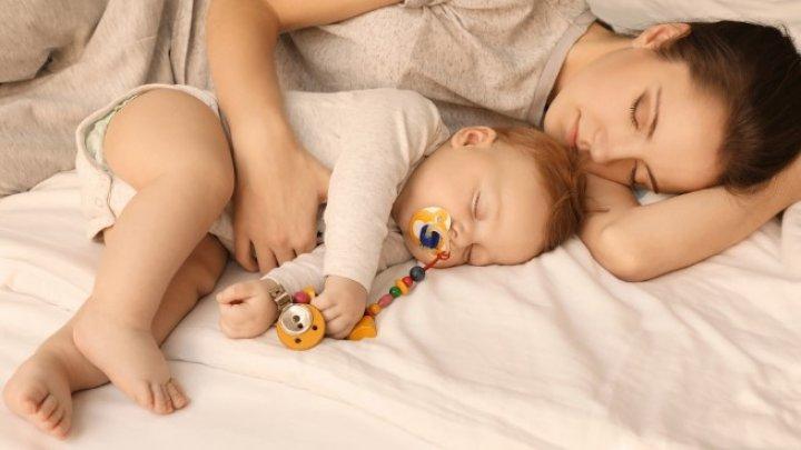 Copiii trebuie să doarmă cu mama lor până la vârsta de 3 ani. Care este motivul