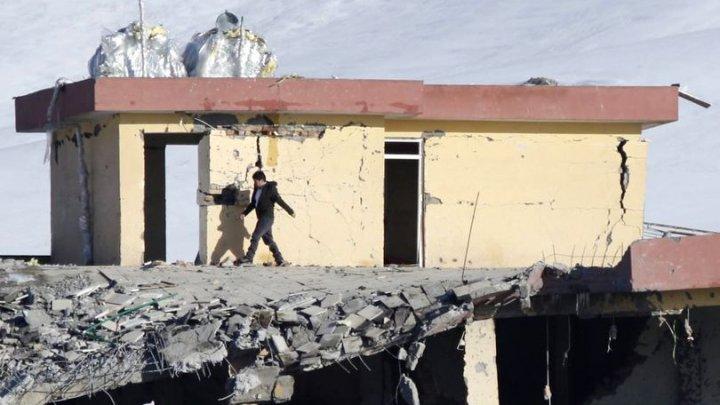 Copii UCIŞI de o rachetă lansată de talibani, asupra unei şcoli