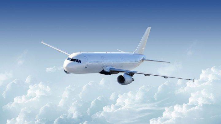 Un avion care zbura spre Moscova, s-a întors la Chişinău după ce piloţii au depistat o eroare tehnică