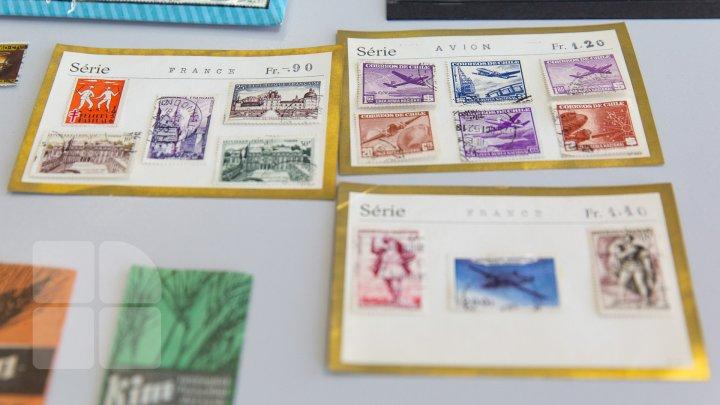 COLECŢIE IMPRESIONANTĂ. O profesoară de la USM a adunat peste 5.000 de timbre din diverse ţări ale lumii (FOTOREPORT)