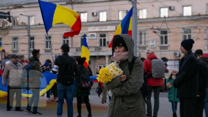 Marşul Tricolorului, la Chişinău. Cum s-a desfăşurat evenimentul (FOTO)