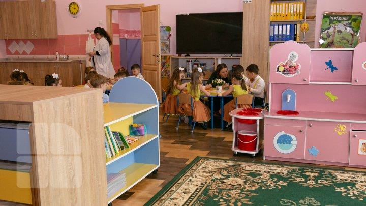 Tot mai multe GRĂDINIȚE în Moldova. Câți copii frecventează instituțiile (GRAFICĂ)
