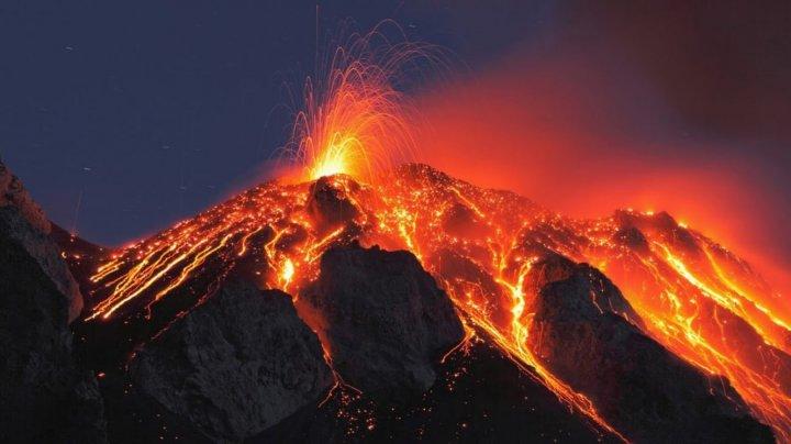Vulcanul Aso din Japonia a intrat în faza de erupţie