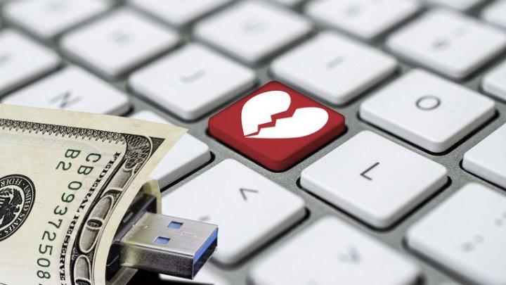 I-a jurat dragoste eternă pe Facebook, apoi a FUGIT cu aproape 40 DE MII de euro