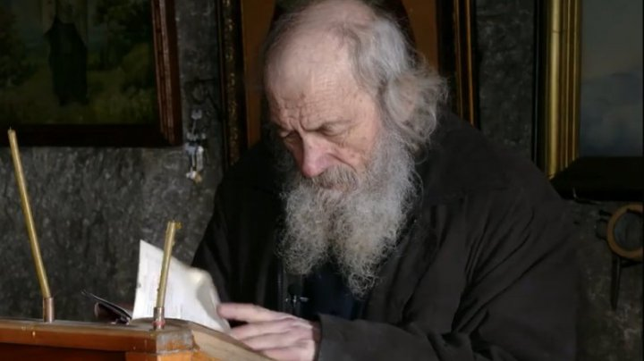 Istoria IMPRESIONANTĂ a unui monah care și-a găsit tihna în peștera de la Orheiul Vechi (VIDEO)