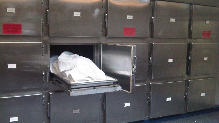 SCANDALOS: Trei tone de mâncare pentru copii sunt păstrate la morgă. Poliţia cercetează cazul (VIDEO)