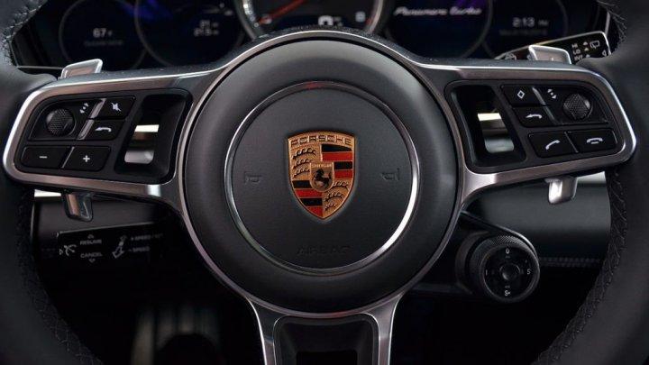 Compania Porsche, în centrul unui scandal: Ar fi implicată în scheme frauduloase