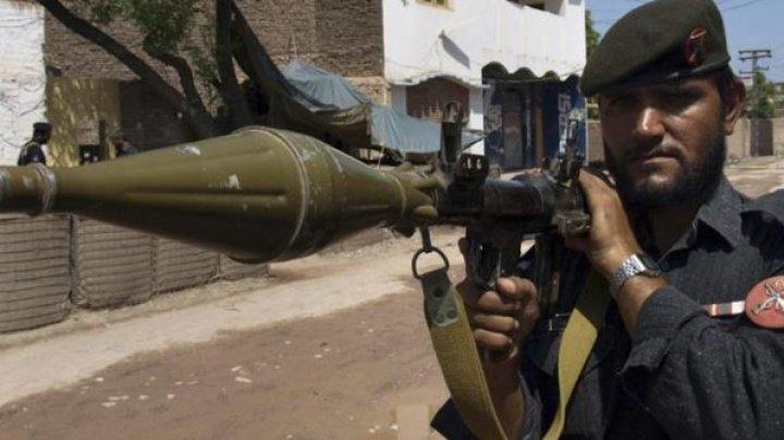 Talibanii au ucis cel puţin ŞASE POLIŢIŞTI pakistanezi într-un atac asupra unui post de control din provincia Balucistan