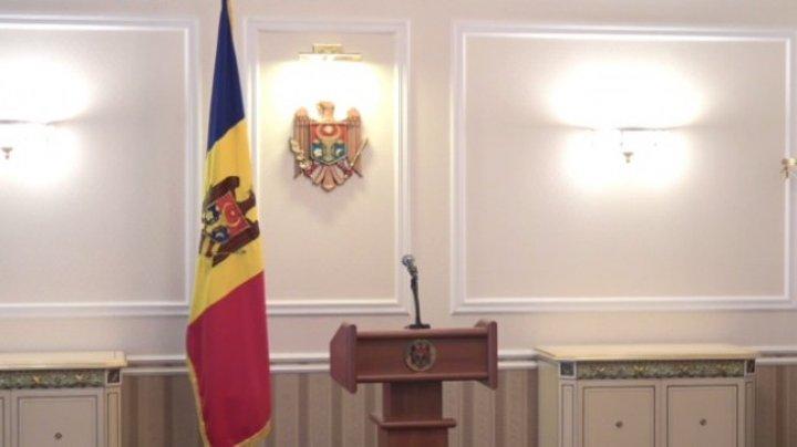 PSRM şi PDM au dat curs invitaţiei preşedintelui ţării de a avea discuţii privind formarea unei majorități parlamentare
