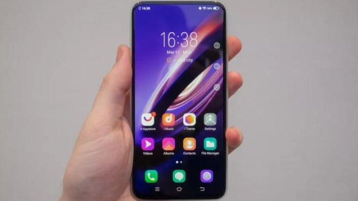 Cum arată Vivo Apex 2019, primul smartphone complet lipsit de butoane şi conectori (FOTO)