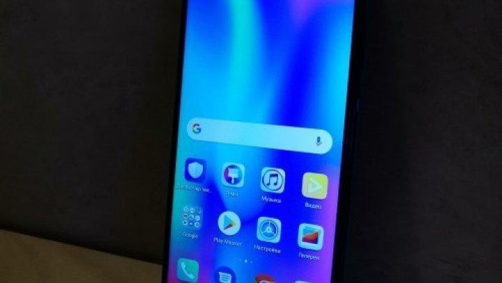Huawei Honor 10i, surprins în imagini cu sistem triple camera şi ecran de 6.2 inch
