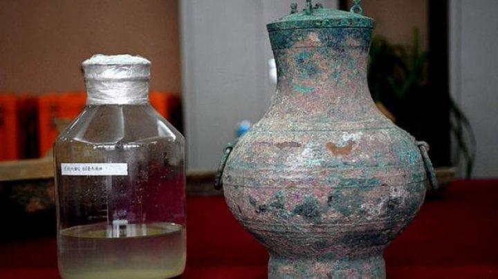 Elixirul nemuririi: Un vas de bronz conţine legendara licoare folosită de bogaţi în încercarea de a păcăli moartea