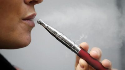 SUA: Peste 500 de îmbolnăviri legate de folosirea ţigărilor electronice