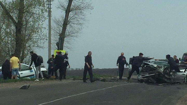 Atenţie, şoferi! Reduceţi viteza dacă vă deplasaţi pe această porţiune de traseu: Un accident GRAV a avut loc mai devreme (FOTO)