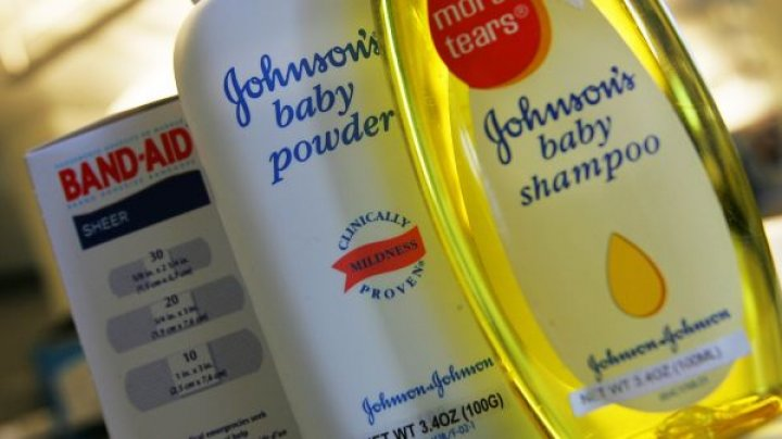 Cu ce reacție a venit compania Johnson & Johnson, după ce a fost acuzată că vinde șampoane cu azbest