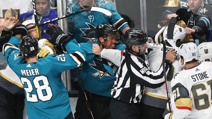 """KANE, """"RECHINUL"""" FURIOS. Jucătorul echipei Sharks şi-a agresat adversarii"""