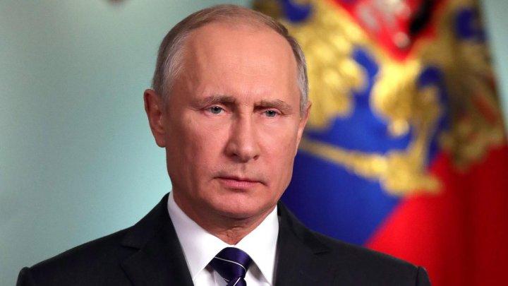 ACŢIUNE PROVOCATOARE. Moscova oferă cetăţenie rusă lucuitorilor din regiunile separatiste ale Ucrainei