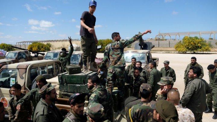 Războiul din Libia: Propunerea de încetare a ostilităţilor a fost întâmpinată VIOLENT