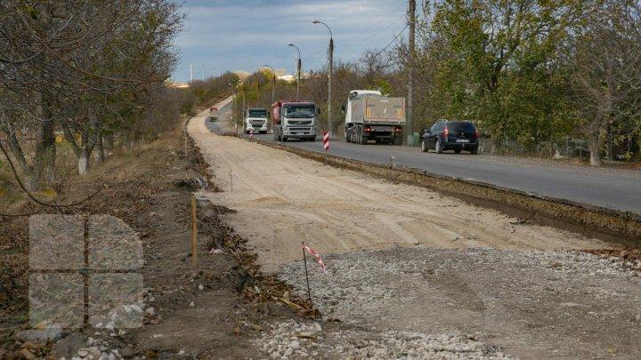 Ministerul Economiei solicită consiliilor raionale să prezinte informaţii despre drumurile locale pe care le repară
