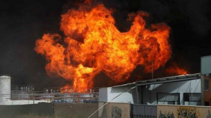 DEFLAGRAŢIE LA O UZINĂ CHIMICĂ DIN CHINA. Explozie soldată cu TREI MORŢI şi CINCI RĂNIŢI
