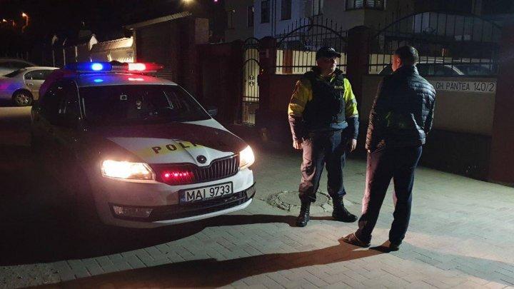 Poliţia va patrula mai intens curțile blocurilor din Capitală pe timp de noapte