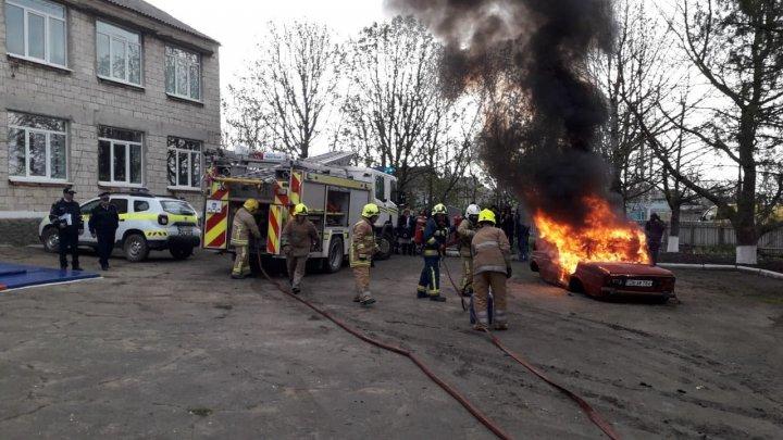 Pompierii în ALERTĂ la Nisporeni. Au simulat un seism de proporții (FOTO)