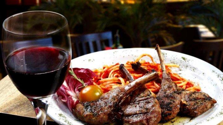 Trebuie să știi! Reguli importante pentru alegerea vinului potrivit pentru masa de Paște