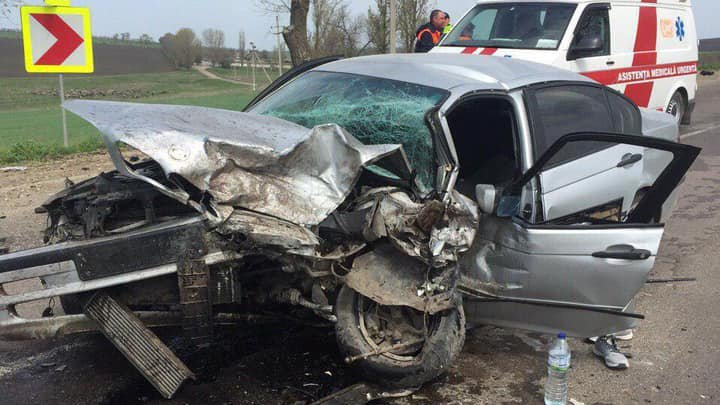 Detalii NOI despre ACCIDENTUL din raionul Drochia, din ACEASTĂ DIMINEAŢĂ. Şoferul unui automobil era BEAT